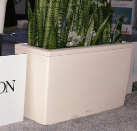 nlr00158-custom-plantscaping